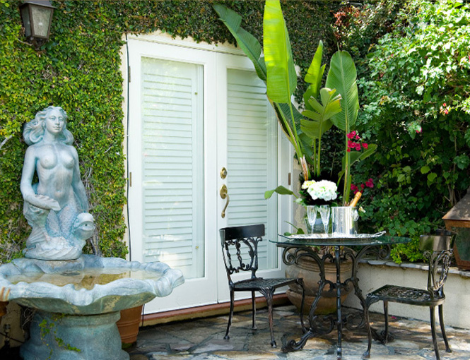 Studio city garden lyons hall interiors for Garden studio interiors